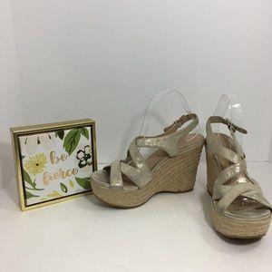 Via Spiga metallic gold platform wedge sandal 8.5M